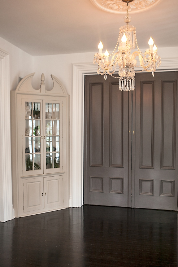 Slate Grey Interior Doors, White Walls lend contrast and drama.