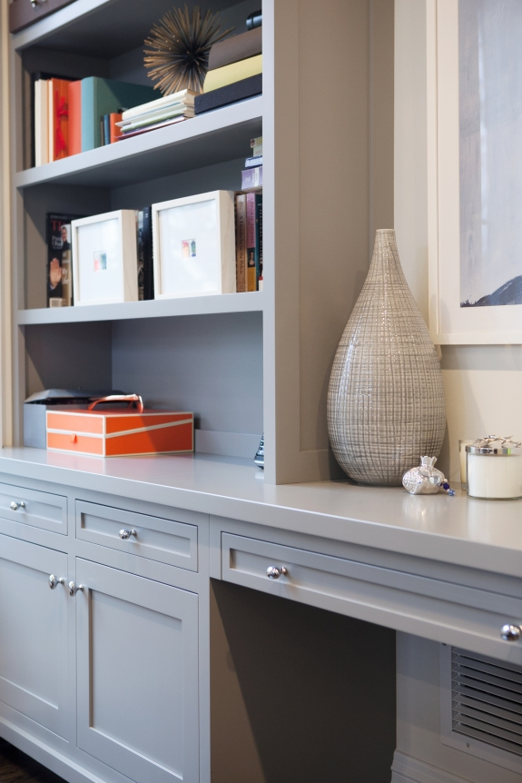 Home Office-- a departure from predictable colors for built-ins.