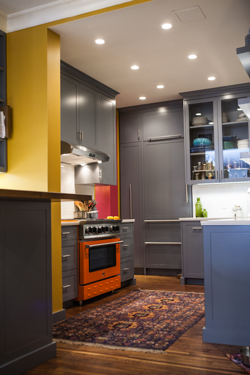 Colourful Kitchen-- warm, vibrant colors are thought to increase the appetite.